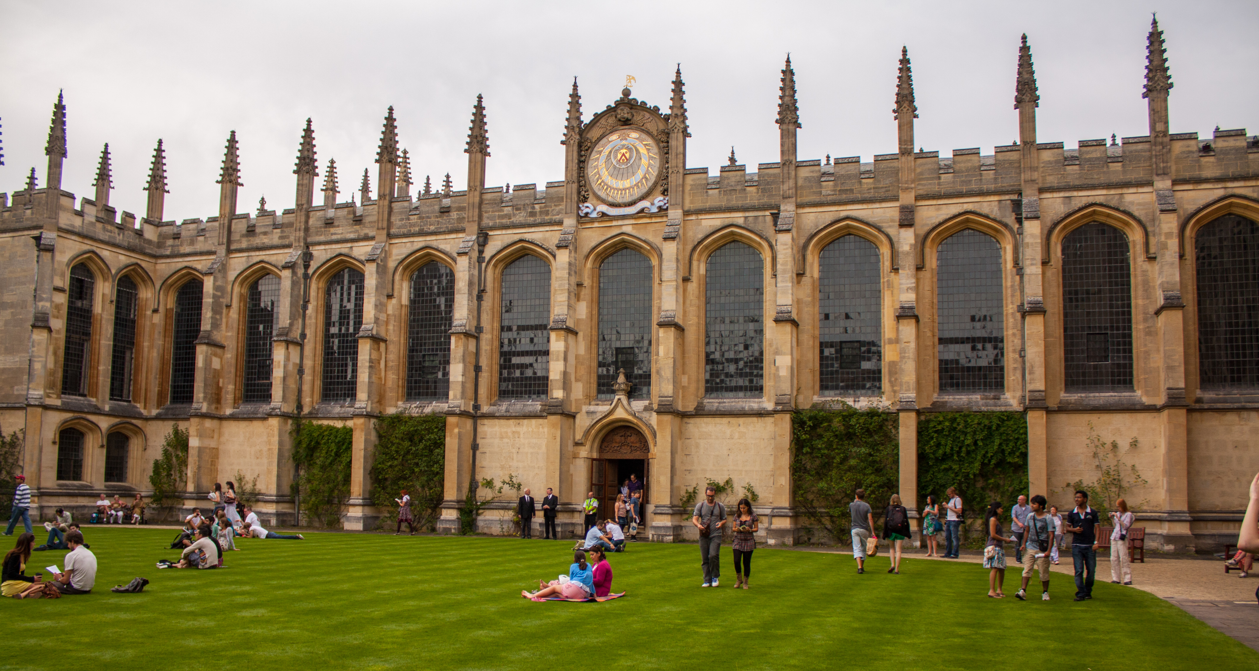1644_The_Codrington_Library,_All_Souls_College,_Oxford_5.jpg